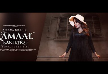 Kamaal Karte Ho Lyrics